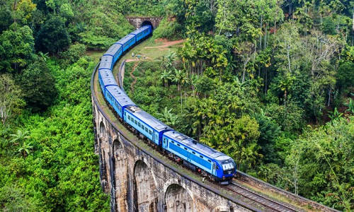 Luxury Train Journey in Sri Lanka