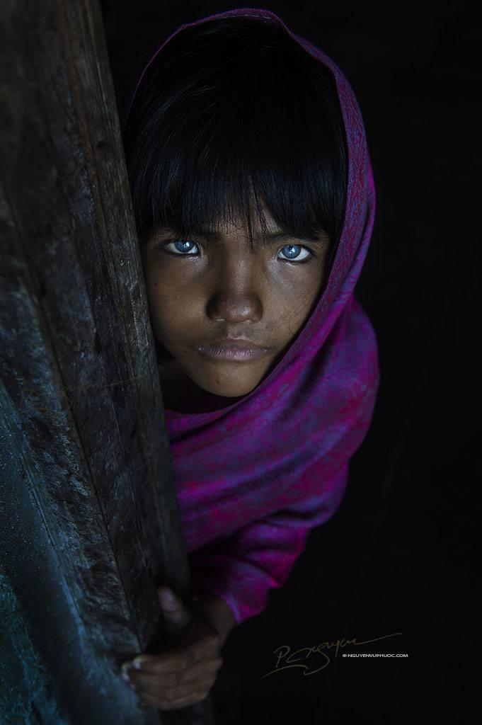 Vietnam Blue eyed Cham-Girl Nguyen-vu-Phuoc