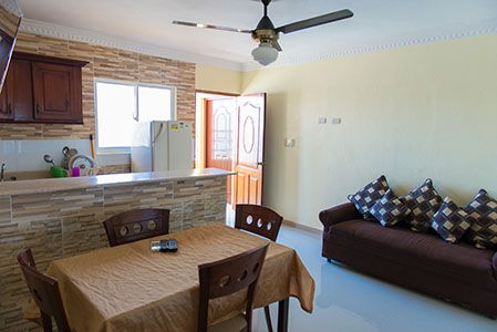 One-Bedroom-Apartment-Sleeps-4-Free-Wi-fi-and-Hot-Water-2