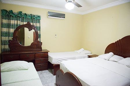 Two-Bedroom-Apartment-Sleeps-6-Free-Wi-Fi-and-Hot-Water