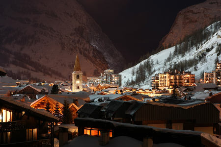 Beautiful ski resort by night