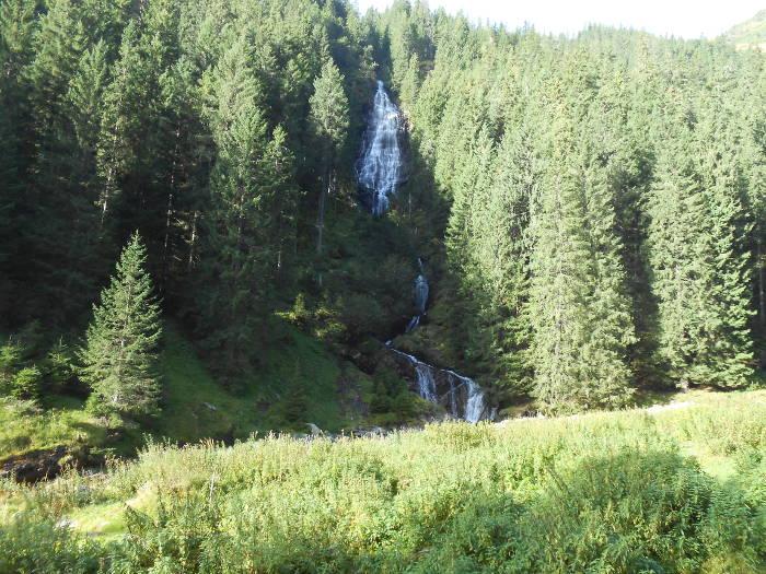 Zbuciumatu Waterfall
